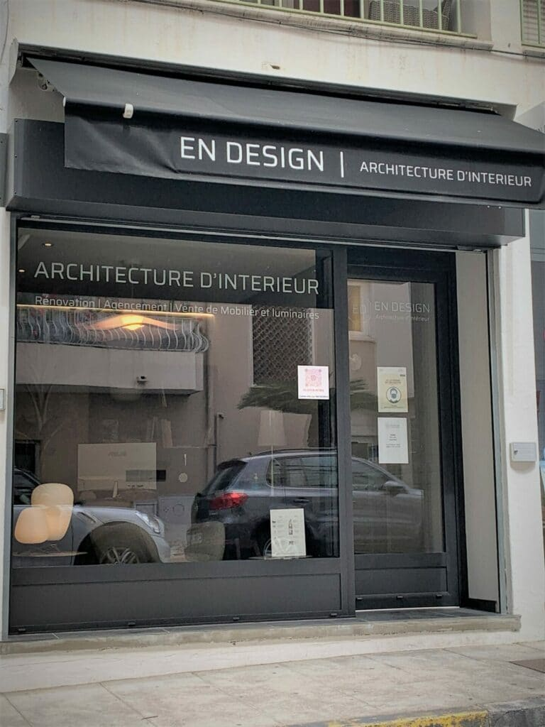 Vitrine - 14 avenue Niquet - Antibes